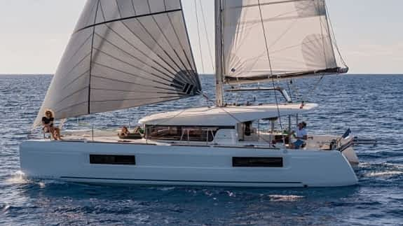 The Lagoon 40